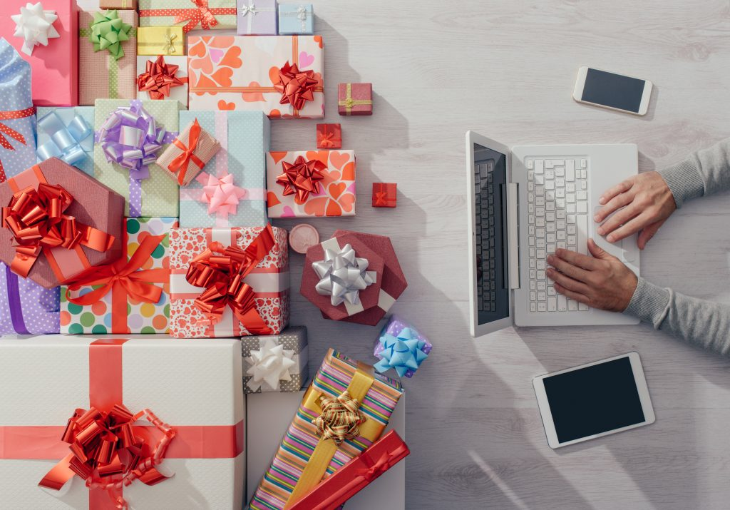 3 Holiday Marketing Tips B2B Marketers Can Learn From B2C Marketing