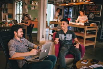 2 Tips to Connect and Build Rapport with People Immediately
