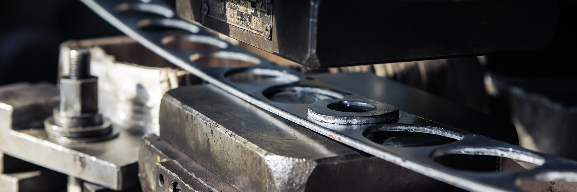 Aligning industrial marketing with the industrial professional's buying process
